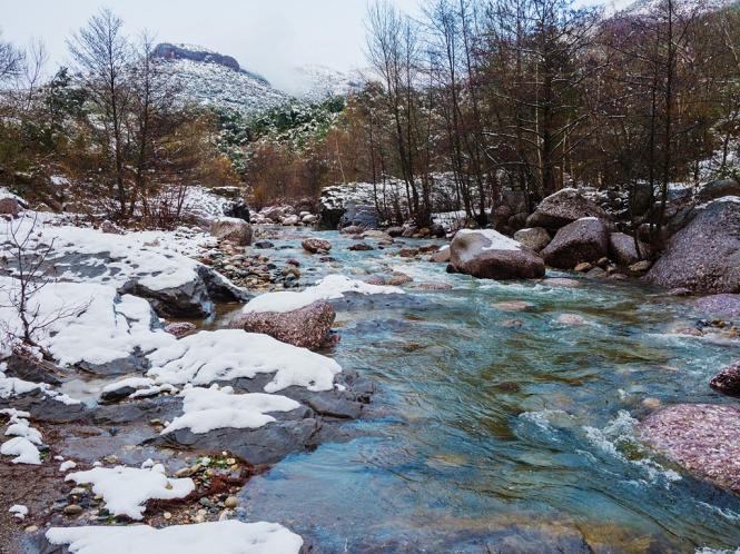 Riu Flamisell nevat al seu pas pel Congost d'Erinyà